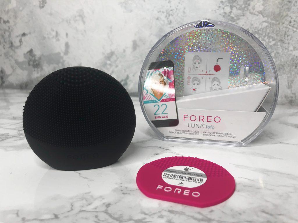 FabFitFun Review - Foreo LUNA FoFo Facial Brush Review