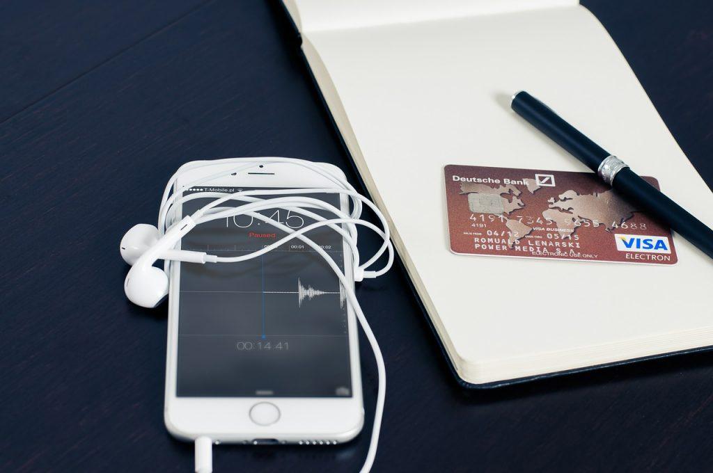 m-commerce statistics iphone